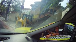 Oglindă oglinjioară – taxi vs oglindă